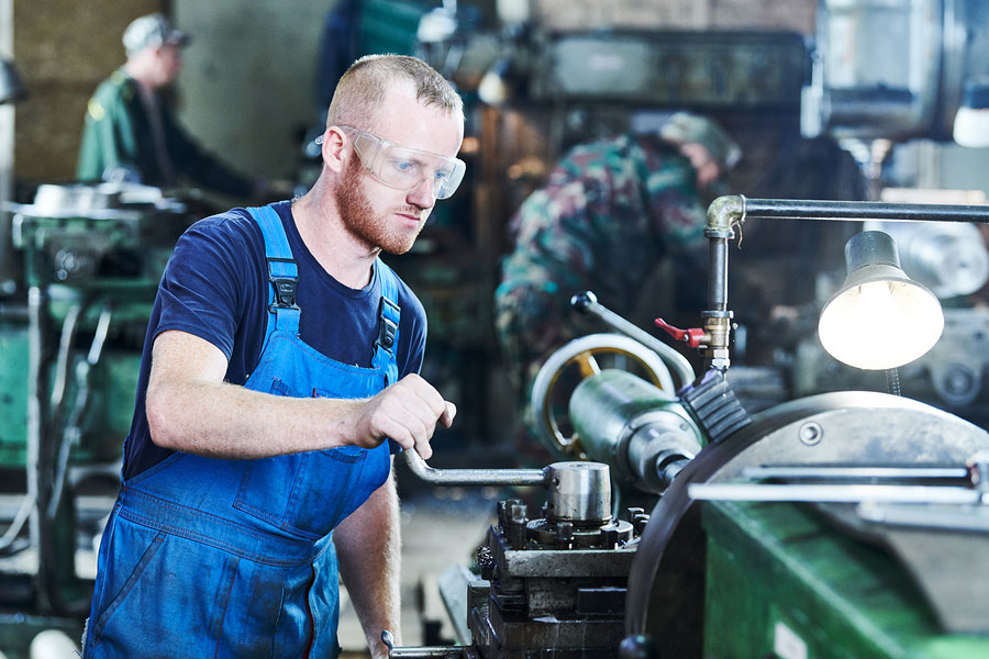 Questions to Ask Before Taking a Machinist Job